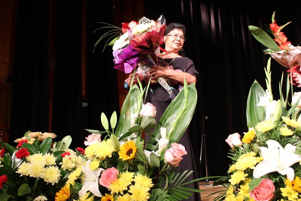 """Най-високото отличие """"Златен век"""" на Министерството на културата получи народната певица Калинка Вълчева"""